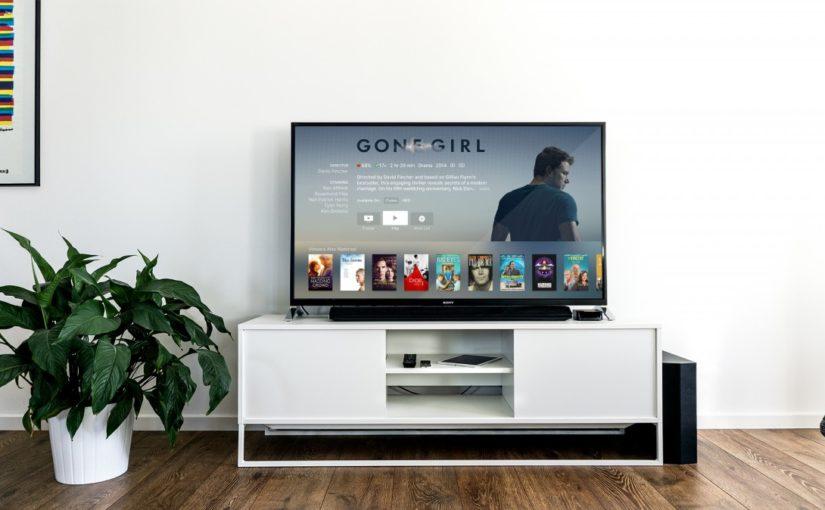 Duże telewizory – jakie są ich korzyści?