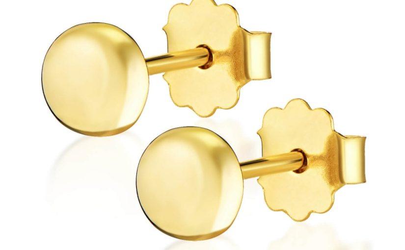 Złote kolczyki dla dziecka – czy to dobry upominek?