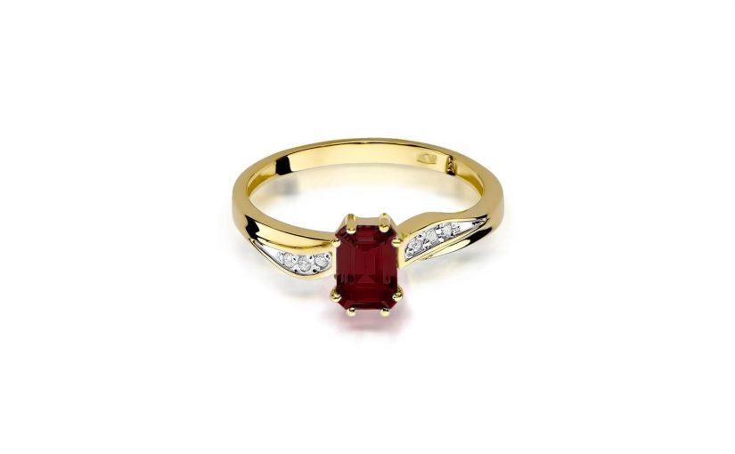 Jak wybrać złoty pierścionek z granatem?